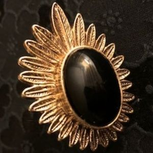 HOUSE OF HARLOW - GOLD & BLACK RING, Size 6